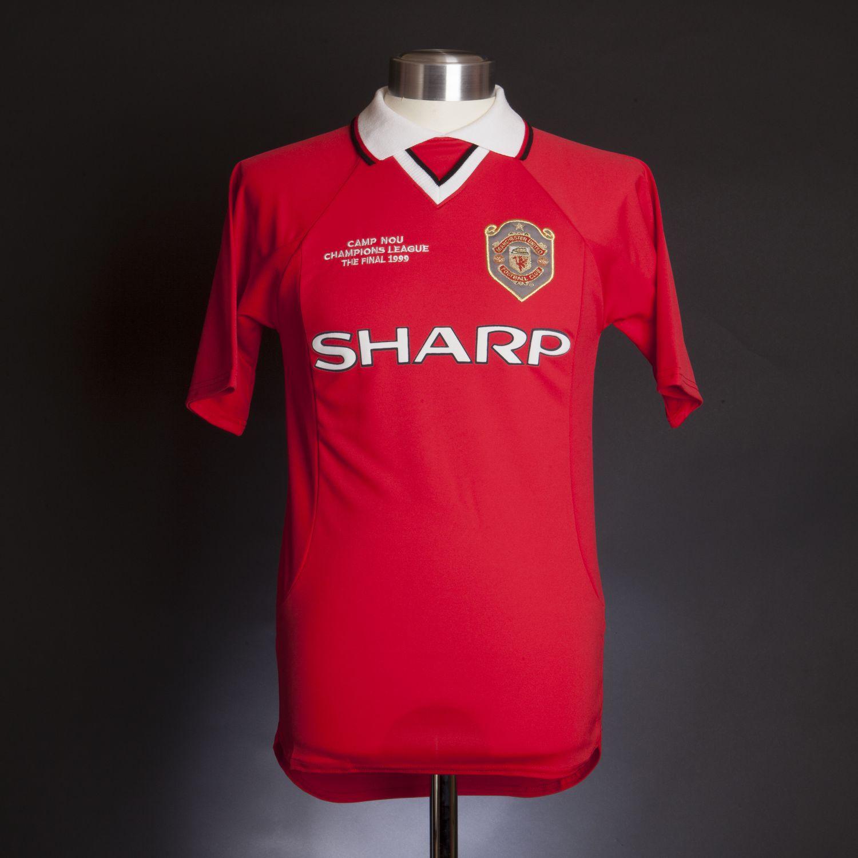 89a587f0d Manchester United 1999 Champions League shirt
